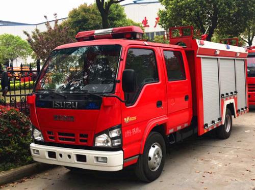 五十鈴3噸水罐消防車(600P)
