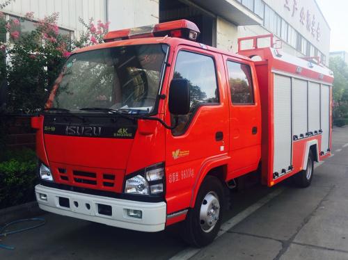 五十鈴3噸水罐消防車